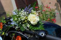 bhe … avete mai portato un bouquet in giro sull'Harley …